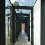 Villa Alba, glas walk between the buildings